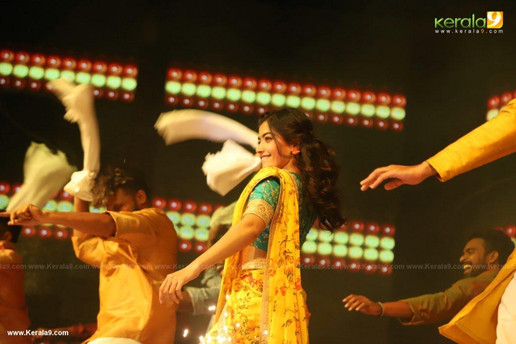 Dear Comrade movie premotion kerala kochi photos 160 - Kerala9.com