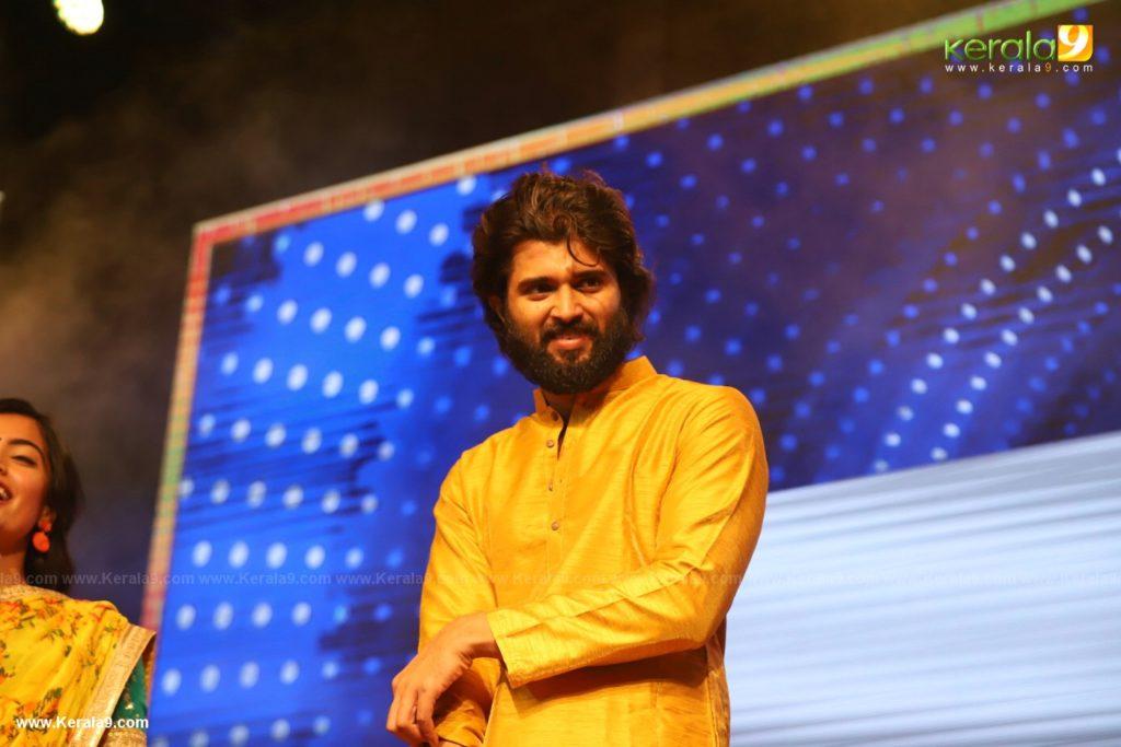 Dear Comrade movie premotion kerala kochi photos 180 - Kerala9.com