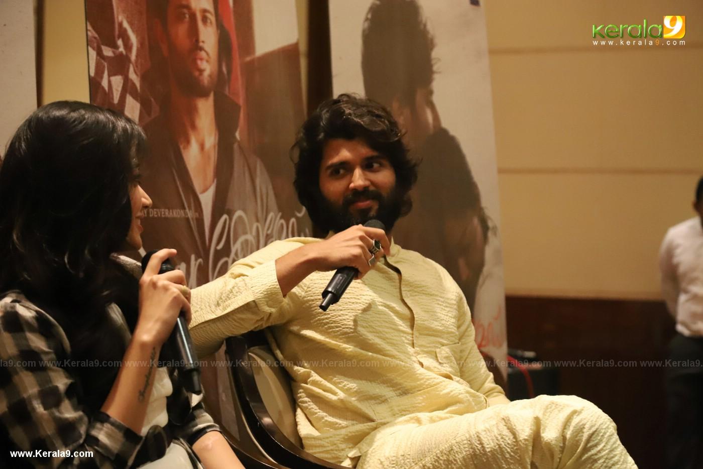 Vijay Devarakonda at Dear Comrade movie premotion kerala kochi photos 001 - Kerala9.com