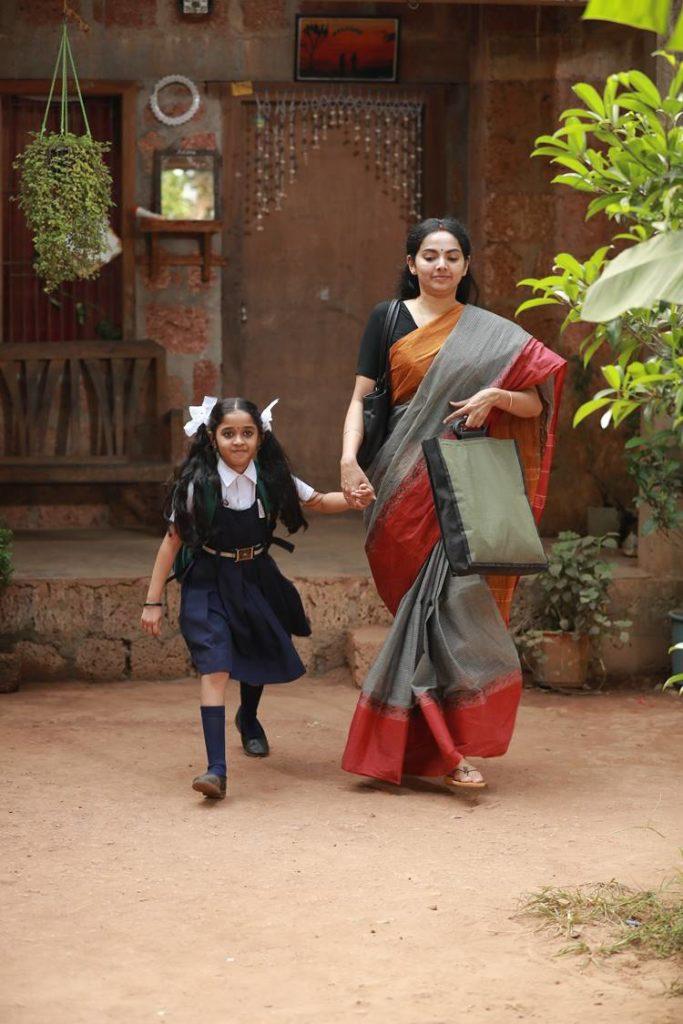 samvrutha sunil sathyam paranja viswasikkuvo photos