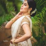 shamna kasim latest images 0921 008