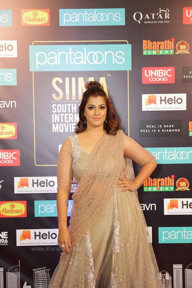 Varalaxmi Sarathkumar at siima film awards 2019 pictures 012