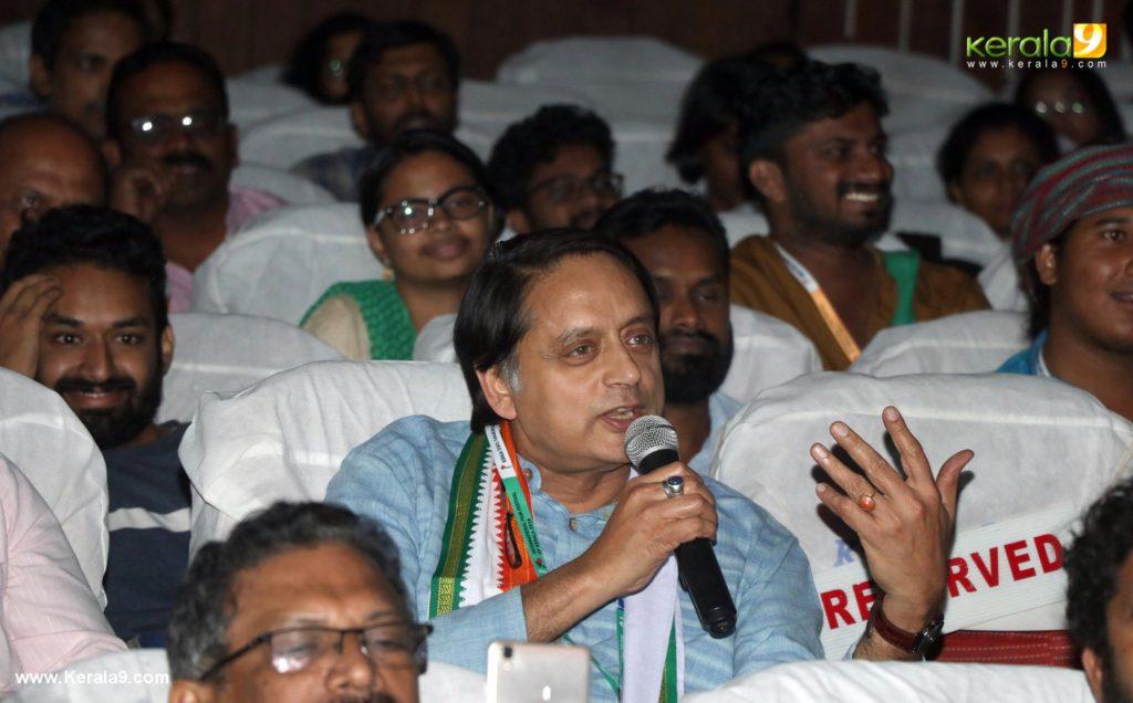 ShashiTharoor 1