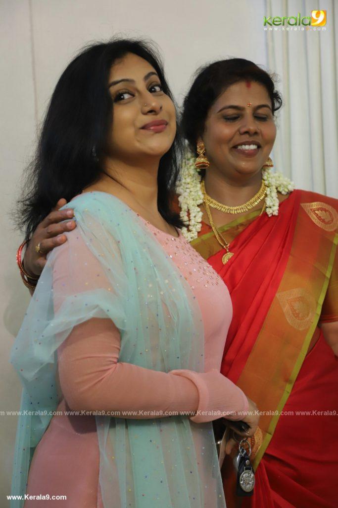 sneha sreekumar marriage photos 209