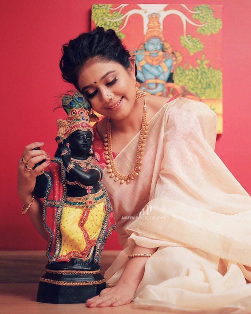 actress vishu celebration pics 001