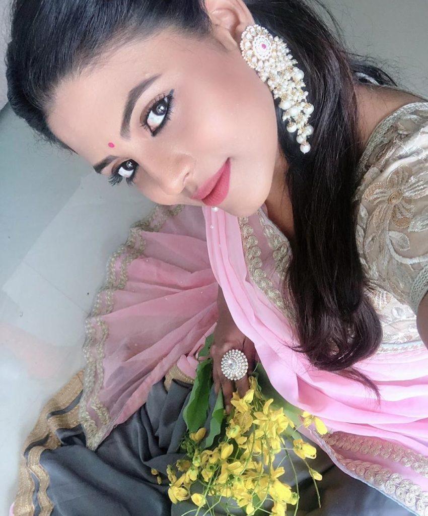 actress vishu celebration pics 002