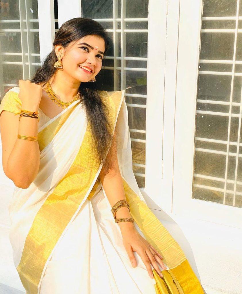 actress vishu celebration pics 004
