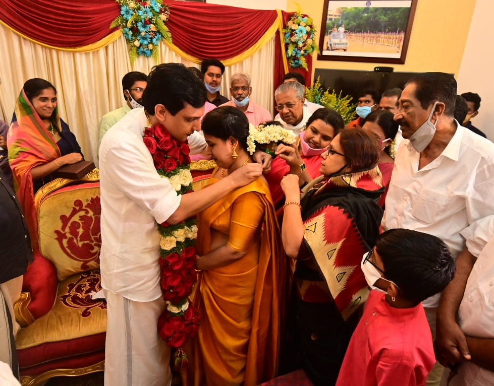 pinarayi vijayan daughter marriage photos 005