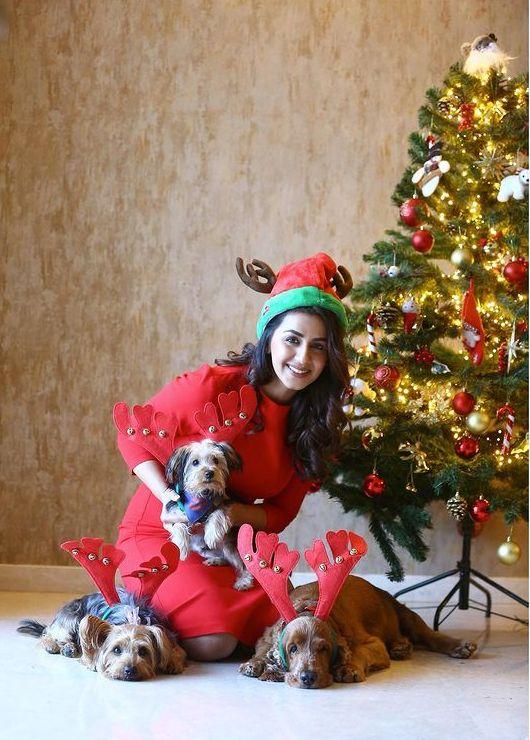 Celebrities Christmas Celebration Photos 2020 002