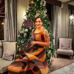 Celebrities-Christmas-Celebration-Photos-2020-010