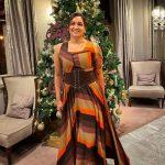 Celebrities-Christmas-Celebration-Photos-2020-012