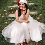 Celebrities-Christmas-Celebration-Photos-2020-014