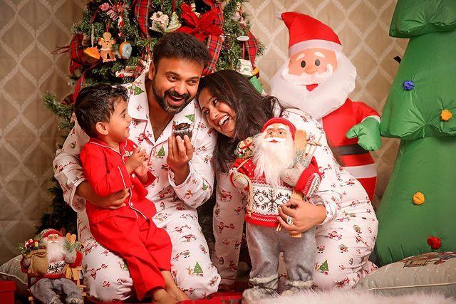 Celebrities Christmas Celebration Photos 2020 021
