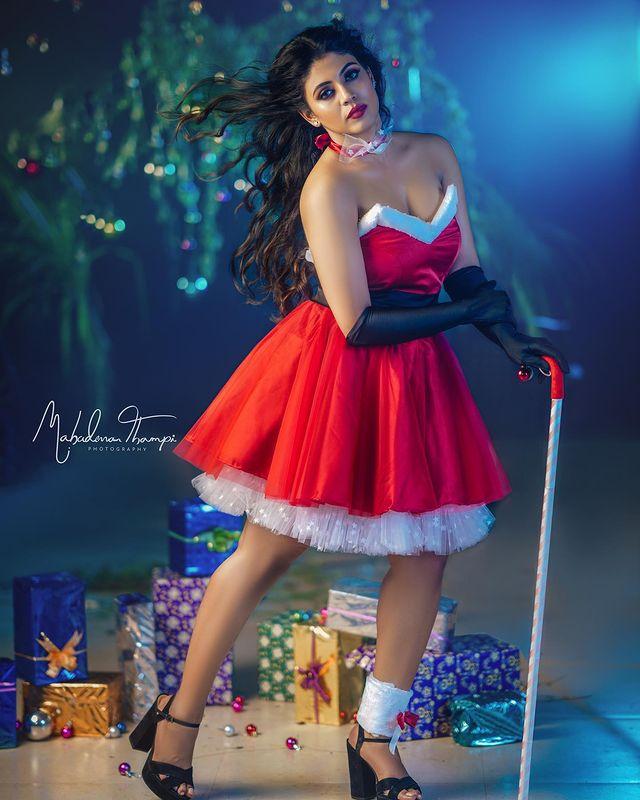 Celebrities Christmas Celebration Photos 2020 029