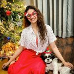 Celebrities-Christmas-Celebration-Photos-2020-033