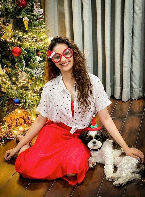 Celebrities Christmas Celebration Photos 2020 033