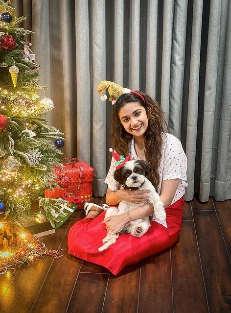Celebrities Christmas Celebration Photos 2020 034