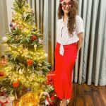 Celebrities-Christmas-Celebration-Photos-2020-036
