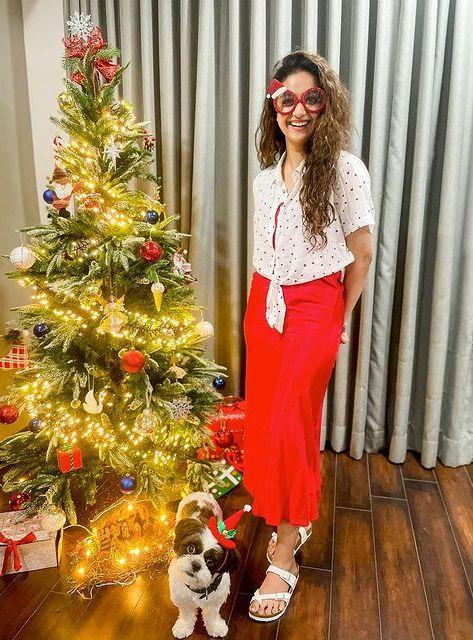 Celebrities Christmas Celebration Photos 2020 036