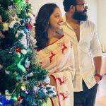 Celebrities-Christmas-Celebration-Photos-2020-037