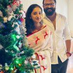 Celebrities-Christmas-Celebration-Photos-2020-038