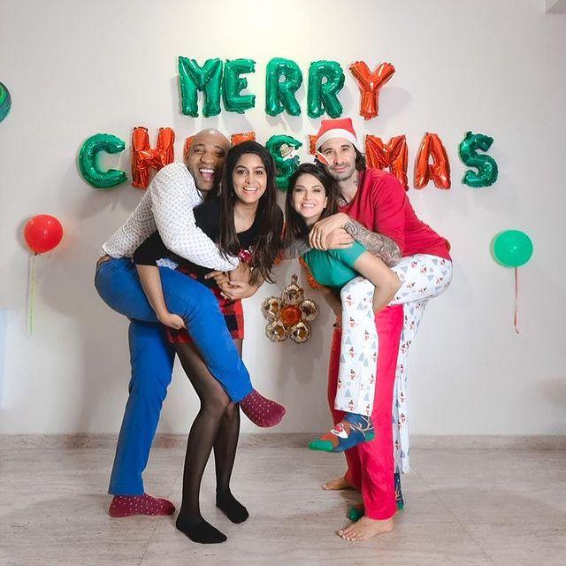 Celebrities Christmas Celebration Photos 2020 041