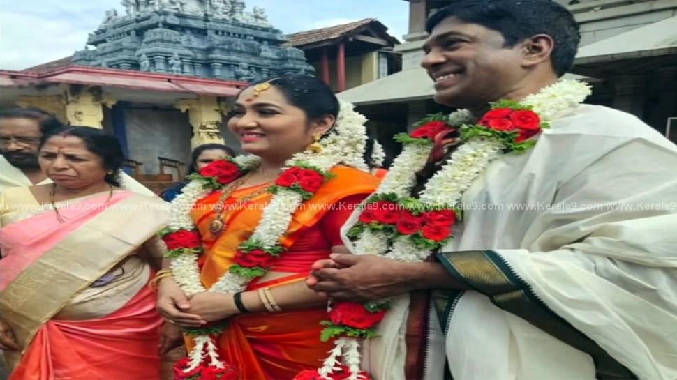 Malayalam Actress Yamuna Marriage Photos 001