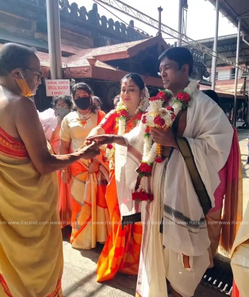 Malayalam Actress Yamuna Marriage Photos 003