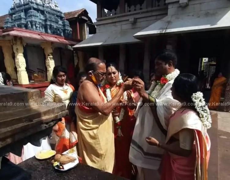 Malayalam Actress Yamuna Marriage Photos 004