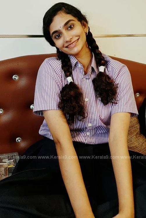 asha sarath daughter uthara Khedda Movie stills 001
