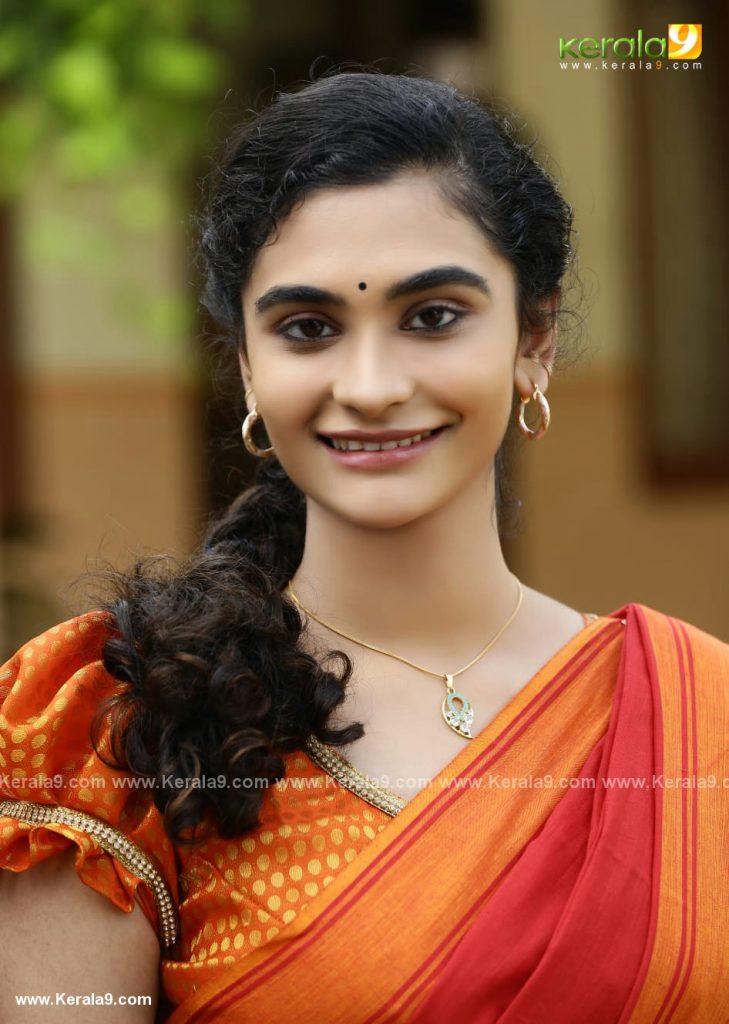 asha sarath daughter uthara movie Khedda stills
