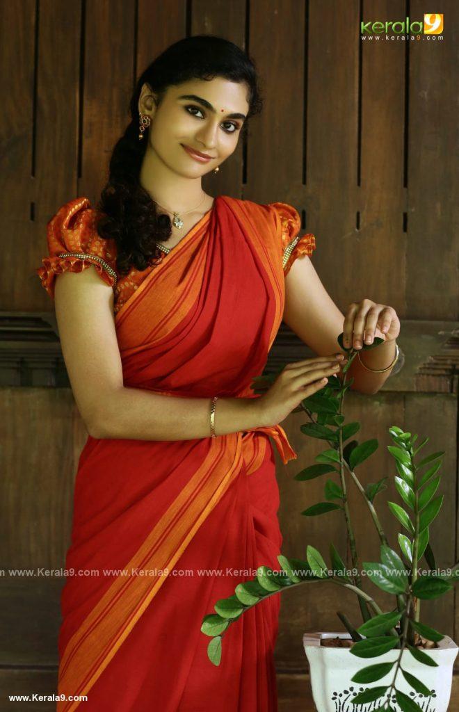 asha sarath daughter uthara movie photos 002
