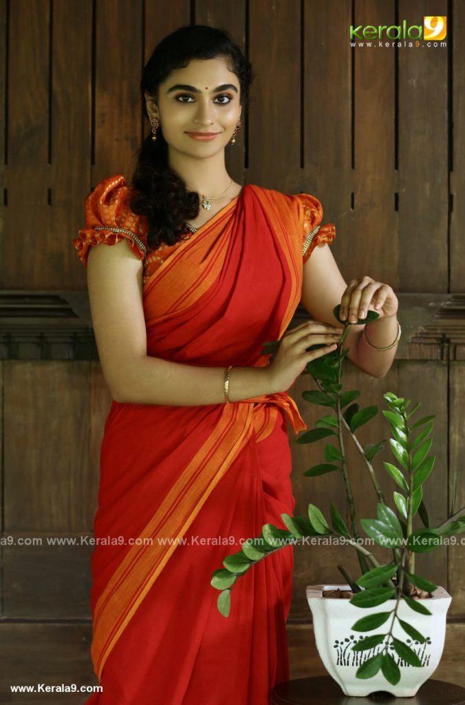 asha sarath daughter uthara movie photos