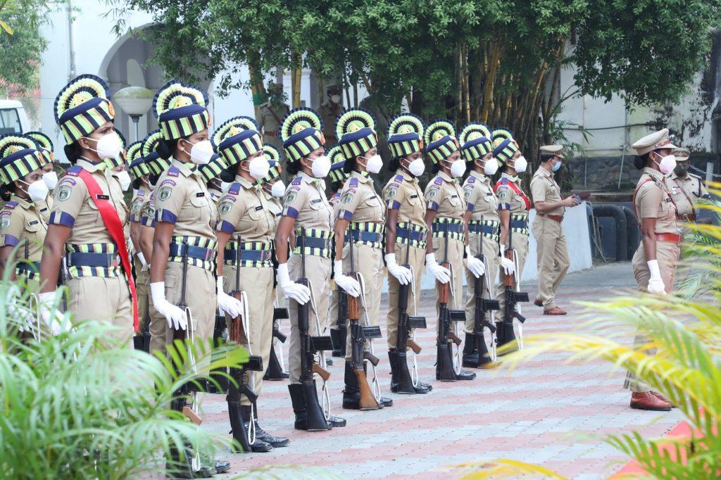 womens kerala police - Kerala9.com