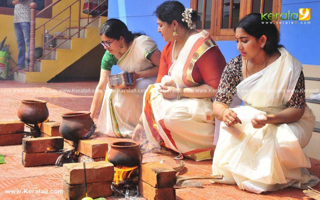actress performs attukal pongala 2021 photos 001 - Kerala9.com