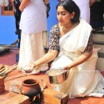 actress-performs-attukal-pongala-2021-photos-005