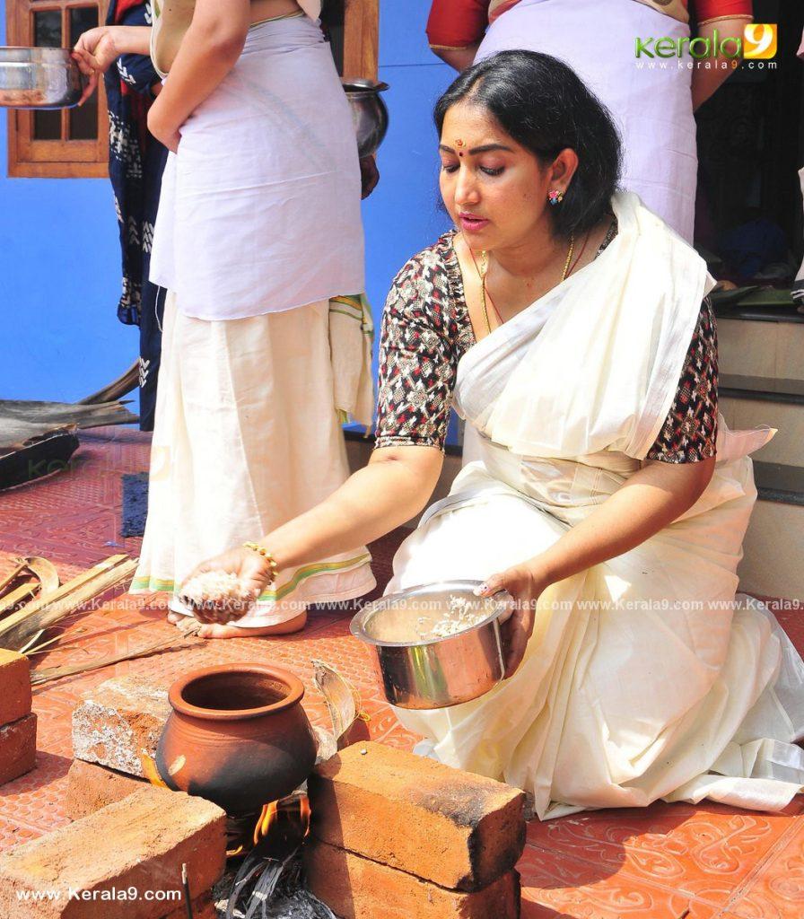 actress performs attukal pongala 2021 photos 005 - Kerala9.com
