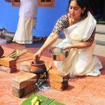 actress-performs-attukal-pongala-2021-photos-008