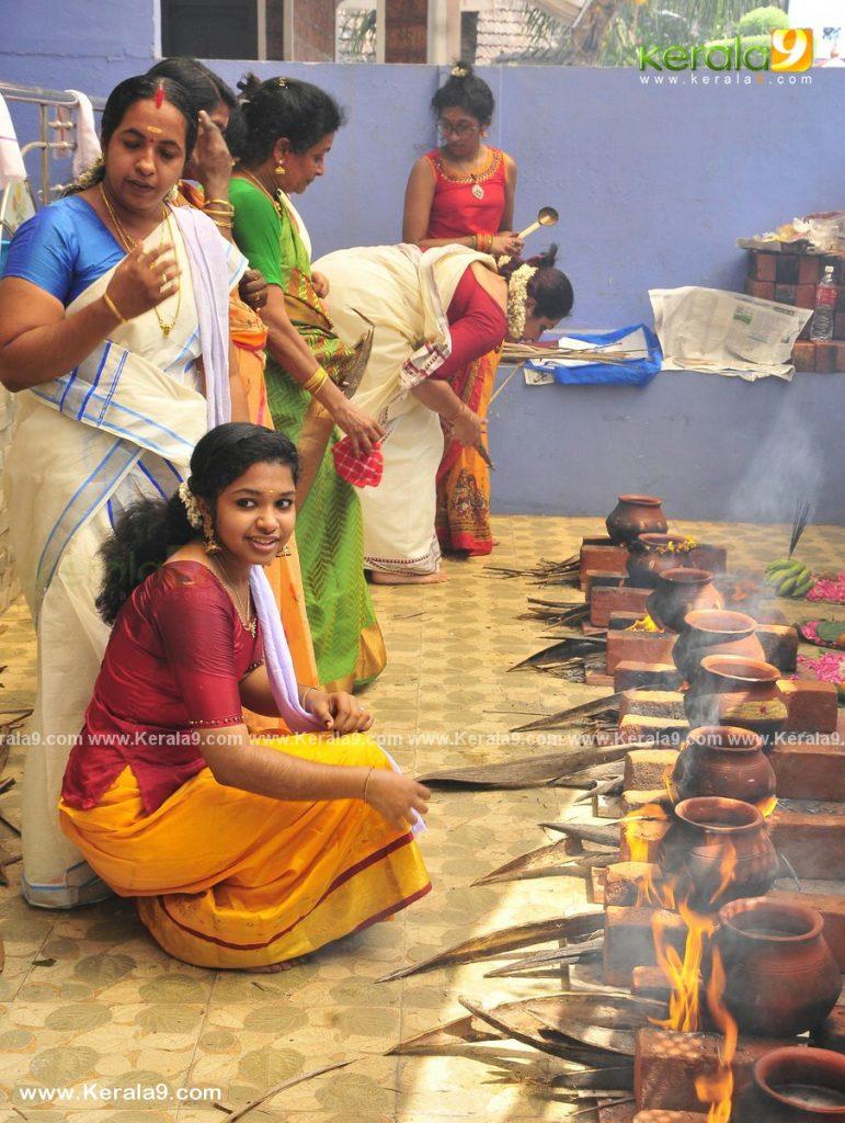 actress performs attukal pongala 2021 photos 017 - Kerala9.com