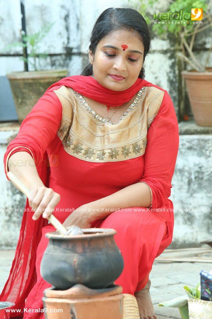 actress performs attukal pongala 2021 photos 020 - Kerala9.com