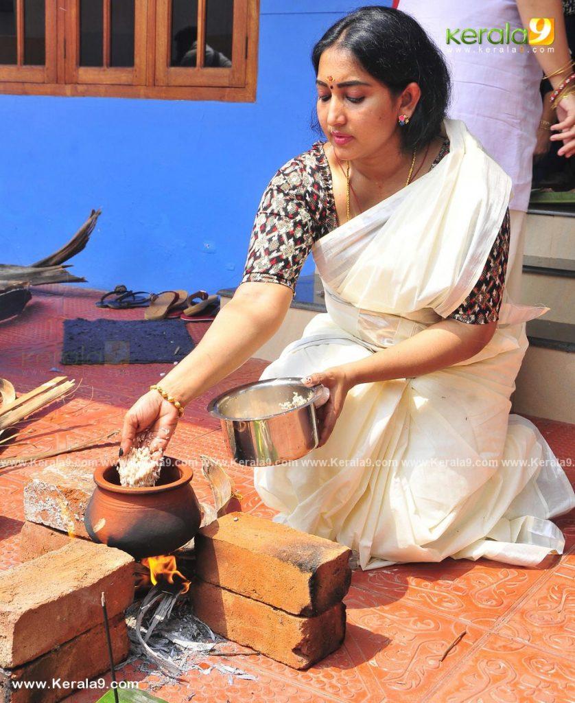 serial actress performs attukal pongala 2021 photos 007 - Kerala9.com