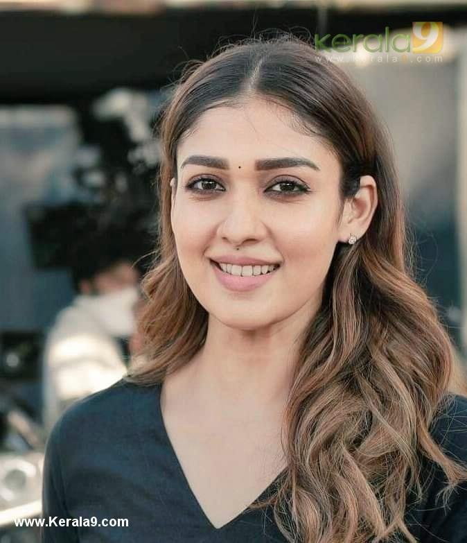 Nayanthara in Nizhal Malayalam Movie photos - Kerala9.com