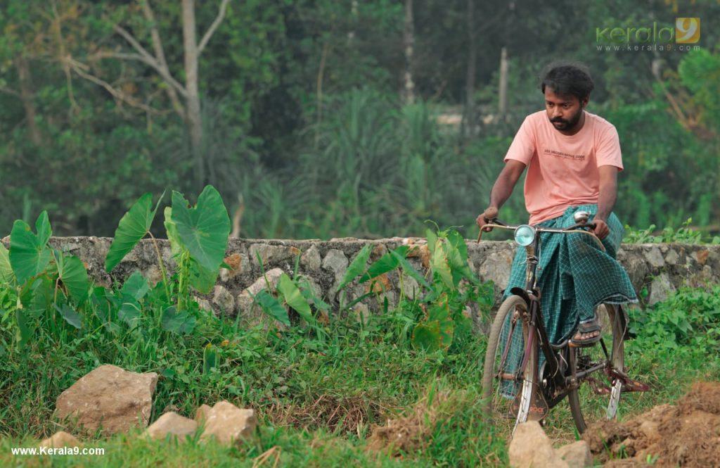 Vishnu Unnikrishnan in red river movie stills