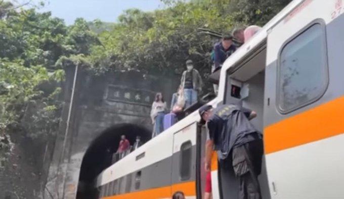 Taiwan train accident - Kerala9.com
