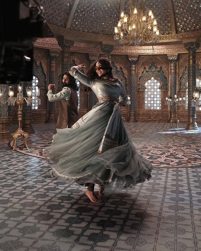 kalyani priyadarshan in kunjali marakkar new photos 002