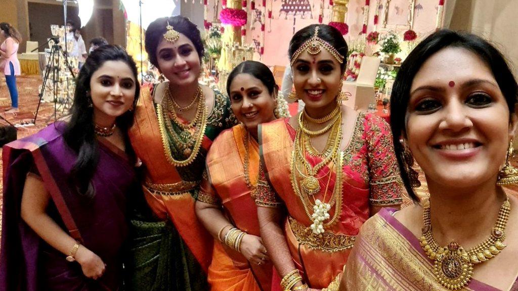 saranya ponvannan daughter marriage photos 002