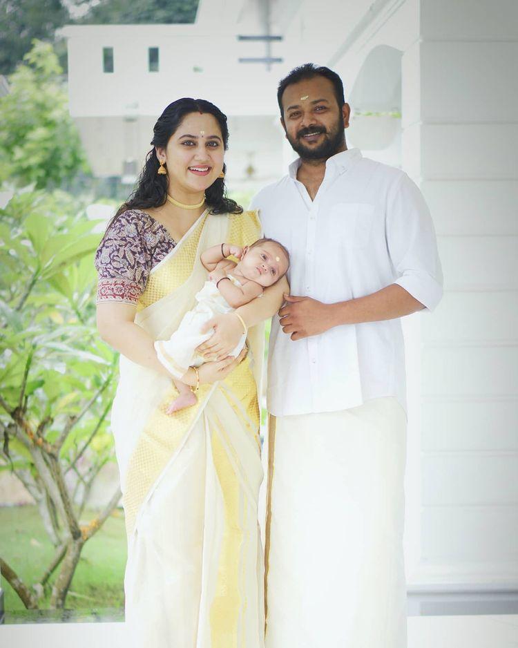 miya george celebrate onam with family photos