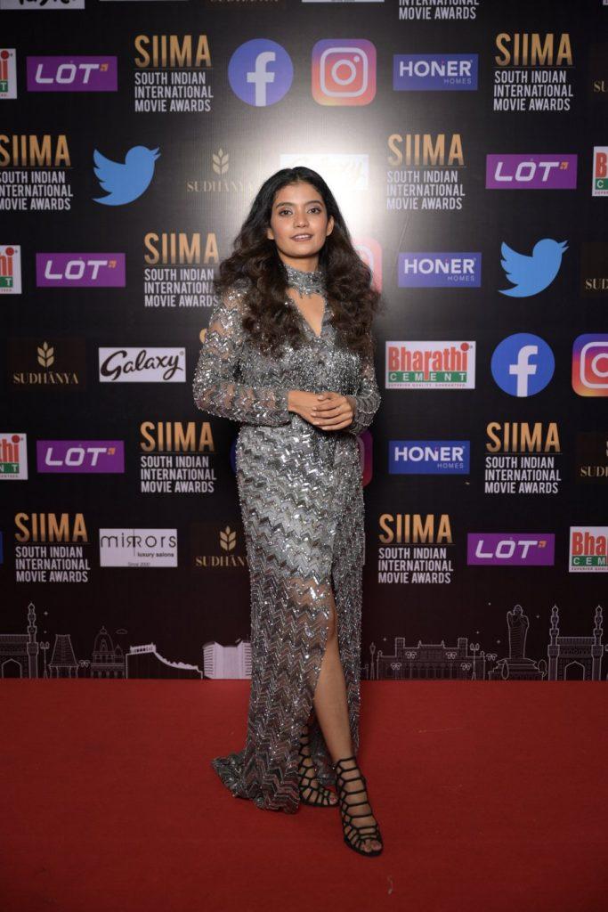 Anna Ben at SIIMA award 2021 photos