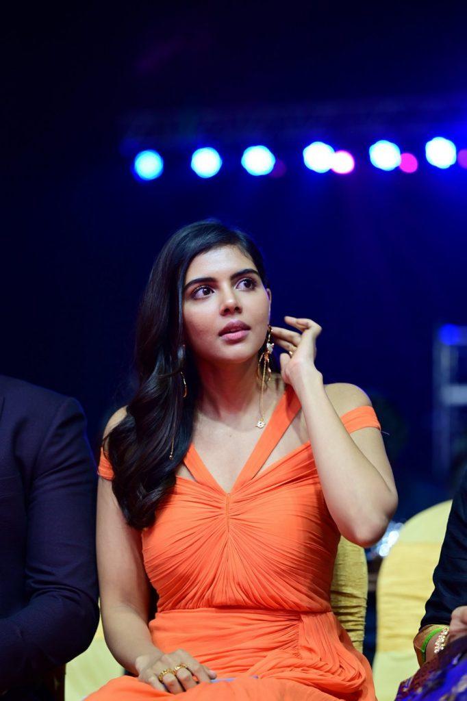 Kalyani Priyadarshan at SIIMA2021 award photos