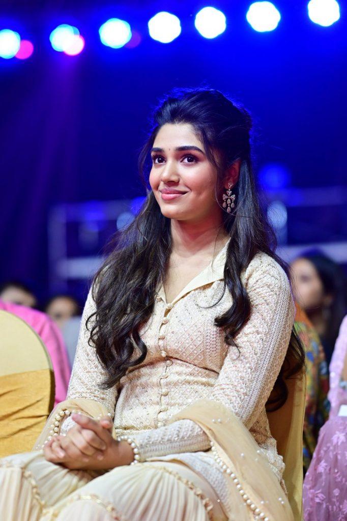 Krithi Sheety at SIIMA 2021 photos